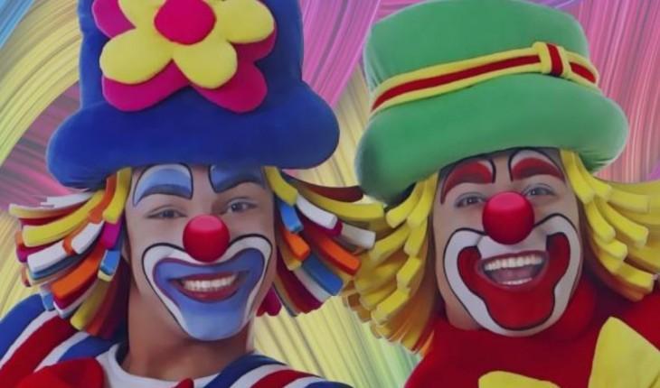 """Patati e Patata ao tirar a maquiagem arrancam suspiros por conta da sua beleza: """"são lindos"""". Confira tudo logo mais a seguir!"""